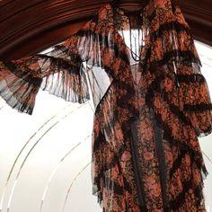 1423d89456 Gucci Black Floral Ruffle Short Casual Dress Size 2 (XS)