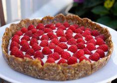 Bringebær terte u/melk, gluten og egg Superfood, Nom Nom, Raspberry, Deserts, Gluten Free, Sweets, Snacks, Baking, Fruit