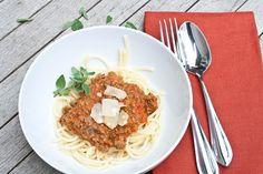 spaghetti bolognese by Delishhh, via Flickr