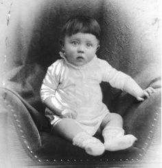Baby Adolf Hitler  c.1889-90 - didn't quite know what category to put this into.....and I don't even know how I feel about this picture........