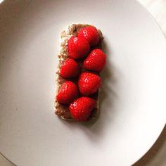 Healthy lunch #ricecake #almondbutter #strawberries #yummy #picoftheday #bio