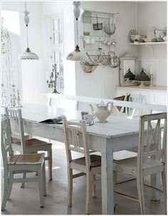 Pretty #shabby #white #dining
