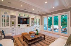 See this home on @Redfin! 4555 Cedros Ave, Sherman Oaks, CA 91403 (MLS #SR16006842) #FoundOnRedfin