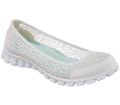 Supreme comfort and fun style mix it up in the SKECHERS EZ Flex 2 - Sweet Pea shoe. Soft woven crochet fabric and soft suede upper in a slip on casual comfort ballet flat with stitching accents and Memory Foam insole. Skechers Mens Shoes, Shoe Deals, Slip On Sneakers, Comfortable Shoes, Designer Shoes, Ballet Flats, Shoe Boots, Oxford Shoes, Crochet Fabric
