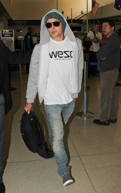 Zac Efron's Casual Cool Airport Style