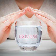 Mantener tu cuerpo hidratado es una de las bases de una buena salud. Bebe líquido de calidad, agua mineral y zumos frescos y naturales.