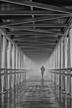 The fog - Niebla en la pasarela del aeropuerto de Peinador, Vigo.