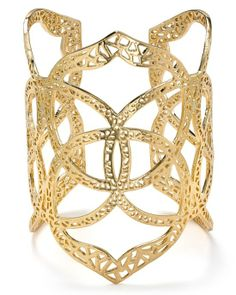This gold statement cuff is so chic and simple, it you could wear it every day everywhere.