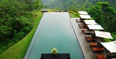 Ubud - Bali. Eat at Dirty Duck Cafe.