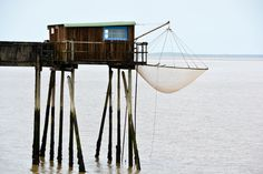 Pêche au carrelet: fishing hut along the #Gironde estuary ©MGR