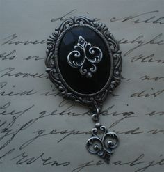 fantasy gothic victorian brooch