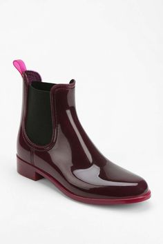 ae8ab4402 31 Stylish Rain Boots You ll Want To Wear Rain or Shine  refinery29 http