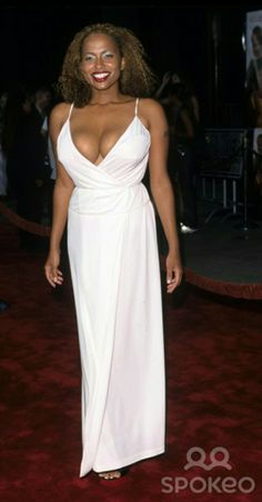 Lisa Nicole Carson, Formal Dresses, Beauty, Black, Fashion, Dresses For Formal, Moda, Formal Gowns, Black People