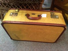 Suit case booth I