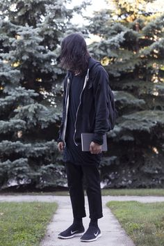 i made an inspo album for all you drapey streetwear boys that don't wanna accept its summer yet (lots of dark tones and distressing) - Album on Imgur