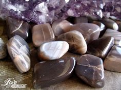 Black Moonstone enhances meditation, intuition, psychic abilities and facilitates deep insight.. This  crystal helps to remove long standing emotional blocks and increases motivation and determination. It evokes the reflective, intuitive power and wisdom.