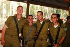 Love the pictures of the soldiers!!