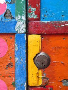 Rainbow | Arc-en-ciel | Arcobaleno | レインボー | Regenbogen | Радуга | Colours | Texture | Style | Form |  painted door (Burano)