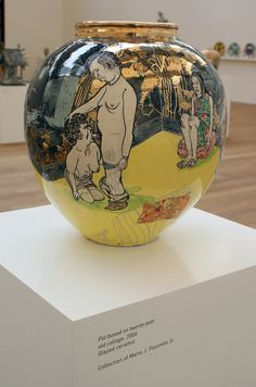 Grayson Perry : Pot based on twenty year old collage Ceramic Decor, Ceramic Art, Grayson Perry, English Artists, China Art, Weird Art, Contemporary Artists, Modern Contemporary, Artist At Work