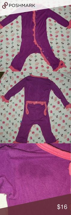 Kickee Pants Coverall Kickee Pants coverall size 3-6 month. Has a water spot on top right. Bought second hand this way. It is noticable in pics because the flash is on. Not noticeable when wearing. Kickee Pants One Pieces