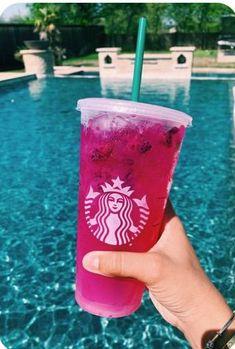 Bebidas Do Starbucks, Copo Starbucks, Starbucks Secret Menu Drinks, Starbucks Coffee, Summer Drinks, Fun Drinks, Healthy Drinks, Menu Secret, Kreative Desserts