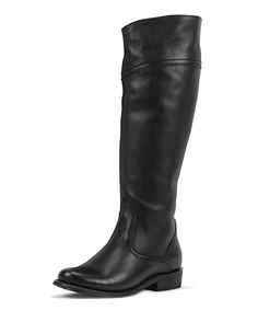 CAPRICORNUS is made from the softest and highest quality genuine leather, giving you an upscale modern fashion look with a hint of western influence and flair. Sophisticatedly designed with a rich leather. These hand-fashioned boots have been carefully designed to be perfectly balanced with an emphasis on arch support and comfort right out of the box. Black Star only makes hand-fashioned women's boots with gorgeous, unique styling featuring unparalleled detailed quality and comfort. Only…
