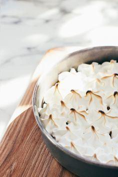 mango meringue pie