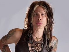 Many would agree that one of rock's all-time charismatic and entertaining frontman would have to be Aerosmith's Steven Tyler. Born Steven Victor Tallarico on M Steven Tyler, Aerosmith, American Singers, Plastic Surgery, Pop Music, Rock Bands, Rock And Roll, I Am Awesome, Dreadlocks