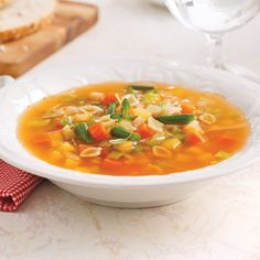 * Vegetable soup - Recipes - Cooking and nutrition - Traditional Quebecoise . Amazing Amazing Vegetable soup - R. Healthy Eating Guidelines, Healthy Meal Prep, Healthy Dinner Recipes, Cooking Recipes, Healthy Food, Canadian Food, Vegetable Soup Recipes, Soups And Stews, Family Meals