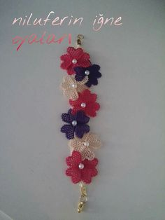 This Pin was discovered by Ayş Lace Flowers, Crochet Flowers, Handmade Rakhi, Point Lace, Macrame Bag, Needle Lace, Embroidery Jewelry, Crochet Accessories, Knitting Yarn