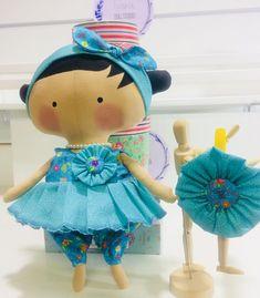 Tiara e bonequinha também é uma opção de presente top😘 Tilda Toy, Harajuku, Toys, Inspiration, Instagram, Ideas, Decor, Style, Fabric Dolls