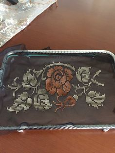 Beautiful Bags, Color Inspiration, Cross Stitch, Embroidery, Crossstitch, Ganchillo, Dots, Mesh, Pattern