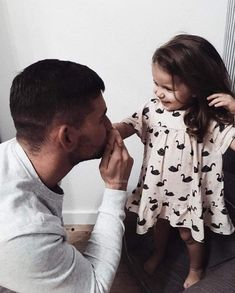 Uploaded by Pink_Princess_B. Father Daughter Pictures, Father Daughter Quotes, Cute Love Couple, Cute Family, Family Photos, My Photos, Dad Baby, Relationship Goals Pictures, Dad Quotes