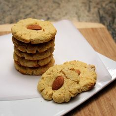 Gooey Almond Cookies | Kosher Scoop