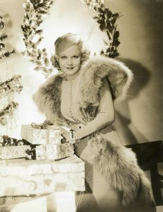 Dedicated to the original blonde bombshell Jean Harlow. Vintage Hollywood, Old Hollywood Stars, Hooray For Hollywood, Old Hollywood Glamour, Golden Age Of Hollywood, Classic Hollywood, Vintage Vogue, Pure Hollywood, Hollywood Pictures