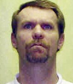 Execution date 1 May 2013. Steven Smith, 46, asked to spare his life arguing that he only intended to rape a 6-month-old girl, not kill her. On Sept. 29, 1998, Smith murdered his girlfriend's six-month-old daughter, Autumn Frye. Smith brutally raped and beat Autumn, which inflicted extensive trauma to her head and body and caused her to suffocate. Smith's girlfriend woke up and saw Smith, standing naked beside her bed, trying to lay Autumn's nude body next to her.