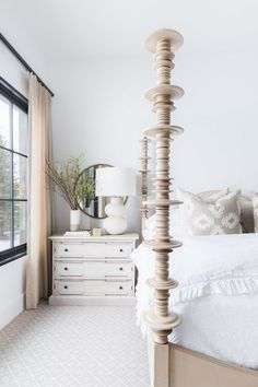 The Prettiest Modern Farmhouse in the Entire World (for *real* though) | lark & linen #hometour #farmhouse #bedroom