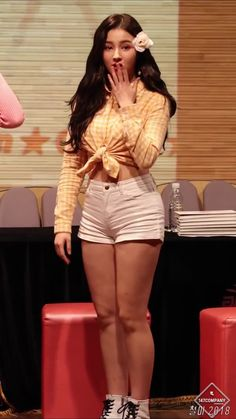 Best 12 57 photos of Nancy Momoland showing her beautiful body shape and pretty face – SkillOfKing. Nancy Jewel Mcdonie, Nancy Momoland, Sexy Asian Girls, Beautiful Asian Girls, Beautiful Girl Image, Beautiful Body, Pretty Asian, Cosmic Girls, Japan Girl