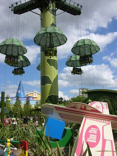 #Disneyland Paris. Parachut Drop in Toy Story Playland in the Walt Disney Studios Park #DLP #DLRP