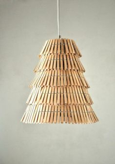 steampung Clothespin pendant lamp in lights with Upcycled Recycled Lamp design.for in the laundry room? Diy Luz, Luminaria Diy, Recycled Lamp, Recycled Wood, Repurposed, Luminaire Original, Diy Luminaire, Wooden Clothespins, Ideias Diy