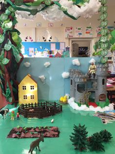 Jack and the Beanstalk small world area Traditional Tales, Traditional Stories, Classroom Decor Themes, Classroom Displays, Eyfs Jack And The Beanstalk, Castles Topic, Fairy Tale Crafts, Fairy Tale Activities, Early Years Maths