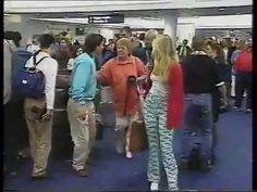 Ayrton Senna e Adriane Galisteu, aeroporto na Austrália - 1993.