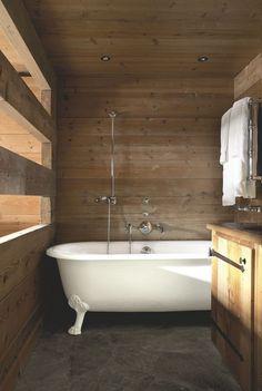 1000 id es sur le th me salle de bains avec baignoire pattes sur pinterest - Baignoire pied de lion castorama ...