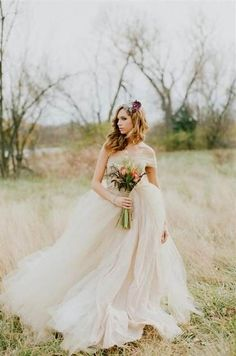 Cool rustic vintage wedding dress 2018/2019 Check more at http://myclothestrend.com/dresses-review/rustic-vintage-wedding-dress-20182019/