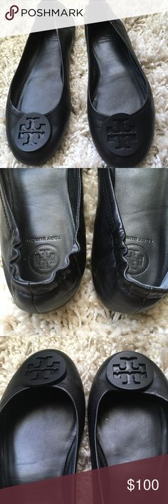 Tory Burch flats Used Tory Burch flats, super soft leather.On the right shoe by the Tory emblem there is a tini scratch but hardly noticeable.No original box. Make me an offer Tory Burch Shoes Flats & Loafers