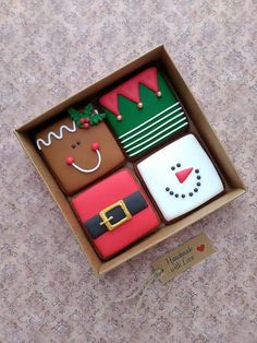 Super DIY Christmas Sweater For Men Gift Ideas Ideas - Christmas Desserts Christmas Sugar Cookies, Christmas Sweets, Noel Christmas, Christmas Goodies, Holiday Cookies, Christmas Gifts, Decorated Christmas Cookies, Christmas Squares, Christmas Design