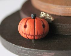 Polymer clay pumpkin charm. Halloween charms. Polymer clay miniatures. Miniature food jewelry. Polymer clay charms