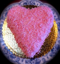 Five local Valentine's Day sweets that get the message across: http://www.weeklyvolcano.com/entertainment/spew-blog/2013/02/Five-Valentines-Day-sweets-from-tacoma-and-university-place/