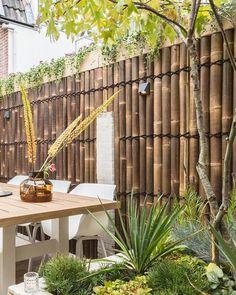 sferen in de tuin? Back Gardens, Outdoor Gardens, Outdoor Restaurant Design, Garden Privacy, Pergola Patio, Outdoor Rooms, Beautiful Gardens, Garden Design, Home And Garden