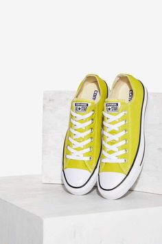 bbe039dc5c83 Converse Chuck Taylor All Star Classic Sneaker - Bitter Lemon